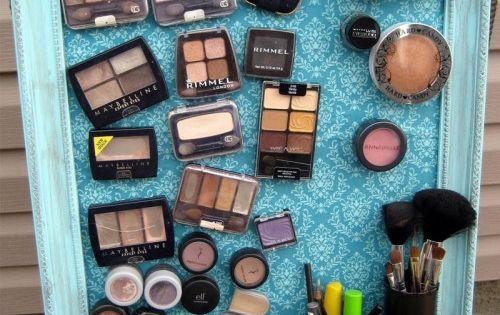 diy makeup magnet board 1 500x580 15 Useful DIY Makeup Organization and