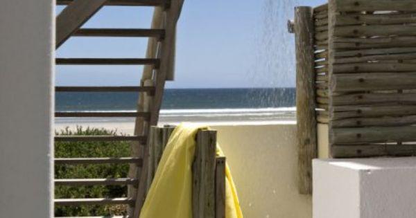 Une douche ext rieure avec vue sur la mer douches l 39 ext rieur douches en plein air et f tes for Douche plein air