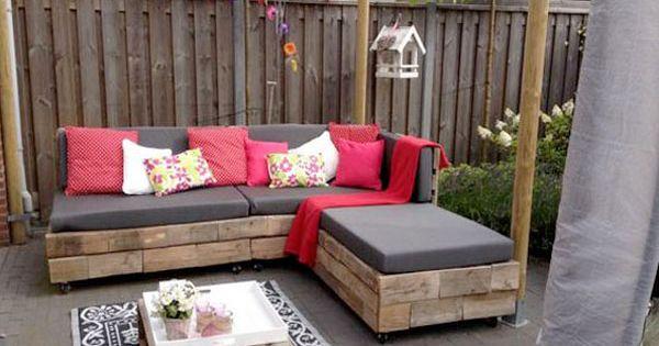 Envie de fabriquer un salon de jardin en palette pas mal comme id e d co les palettes bois for Comment avoir un salon de jardin blanc