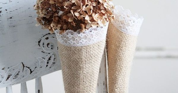 #burlap cones, trimmed with lace. Perfect for a diy picnic or wedding
