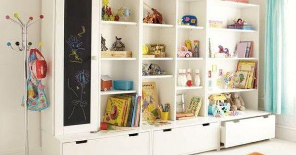 grand espace de rangement pour chambre d 39 enfant avec modules stuva de chez ikea vintage. Black Bedroom Furniture Sets. Home Design Ideas