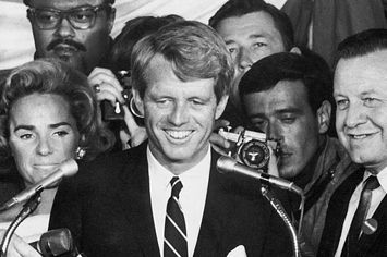 17 Haunting Images That Capture Rfk S Assassination John Kennedy Assassination Robert Kennedy Kennedy Family