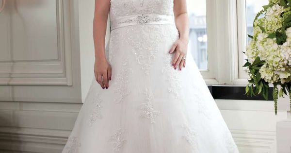 Unforgettable plus size wedding dresses SMIL those brides will love As a