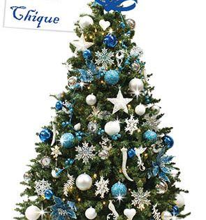 Heb Je Geen Tijd Om De Kerstboom Te Zetten Ze Zijn Kant En Klaar Te Huur Bij Versierdekerstboom Deze Heet Versierde Kerstbomen Mooie Kerstbomen Kerstkransen