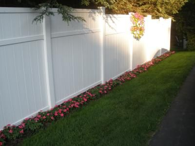 Pin By Amber Columbo On Outdoor Ideas Vinyl Fence Landscaping Backyard Fences Fence Design