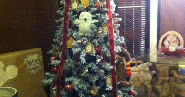 Hogwarts Christmas Tree!!! Love! I Would Put Fawkes Or