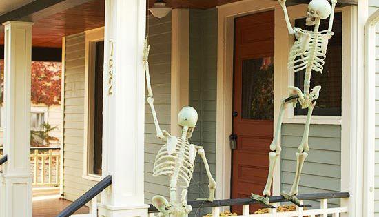 Outdoor Halloween decorating with skeletons! Creepy fun! halloweendecor homechanneltv.com