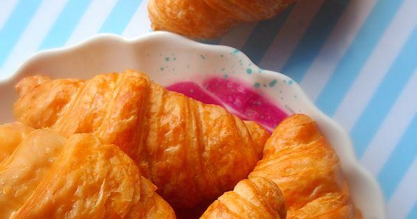 100 Calorie Homemade Crescent Rolls Made With Chobani Greek Yogurt & Avocado.