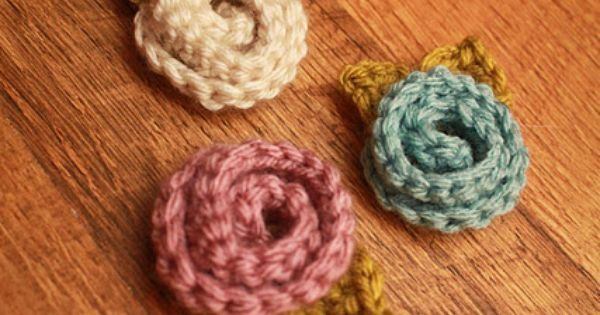 rolled crochet flowers, so cute Cards, Cards, Cards ...