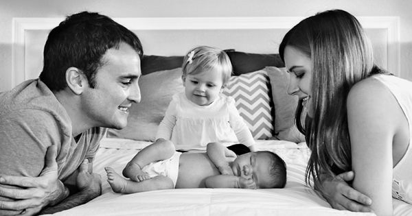So beautiful! Family of four newborn pictures like this for a family