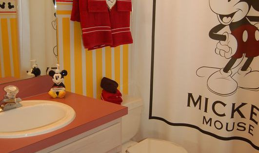Mickey mouse bathroom disney home decor pinterest Disney bathroom ideas