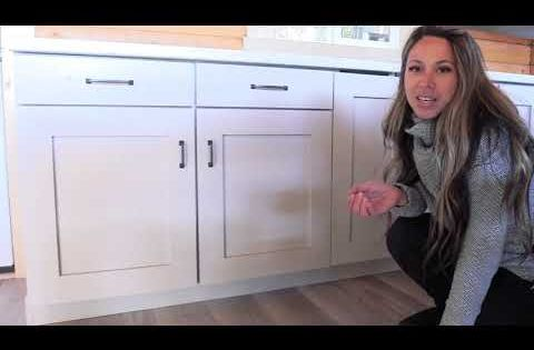 It S Easy To Build Your Own Custom Sized Kitchen Cabinets With Shelf Help This Te Kitchen Base Cabinets Diy Kitchen Cabinets Build Frameless Kitchen Cabinets