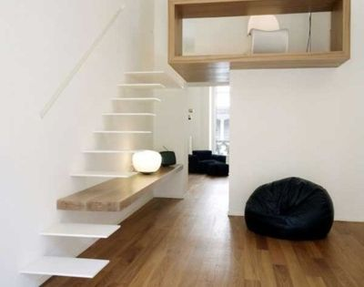 Home studio apartment in Turin, Italy. Molto cool. (My kind of simplicity.)