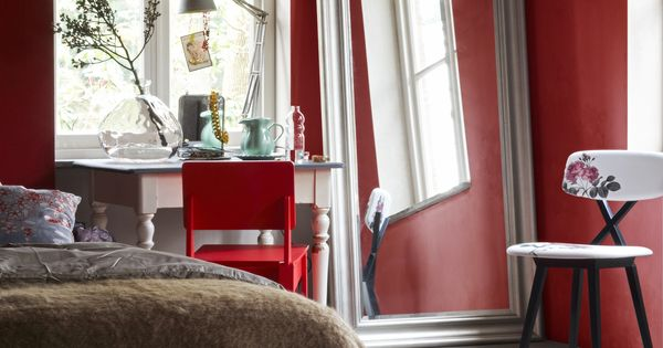 rode slaapkamer - rood in huis  kleuren  Pinterest