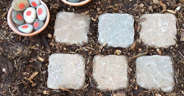 Outdoor tic tac toe. Cute idea for kids for the garden. (for