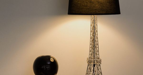 lampe en m tal et abat jour en idees luminaires pinterest monuments m taux et tour eiffel. Black Bedroom Furniture Sets. Home Design Ideas