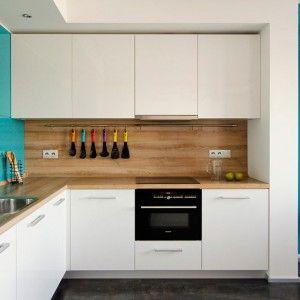 Beautiful Wood Top Kitchen Counter And White Kitchen Cabinets Plus Wood Backsplash Contemporary Kitchen Interior Kitchen Interior Contemporary Kitchen