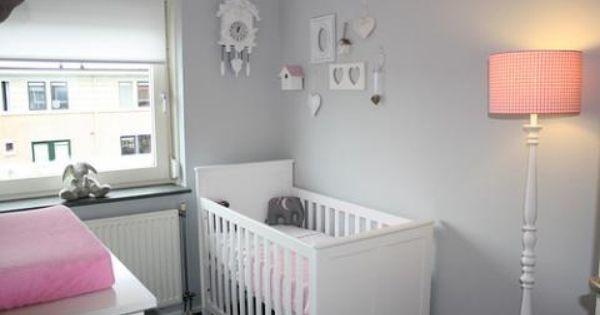 Meisjes baby kamer baby room pinterest koraal kindje en grijs - Kamer in rood en grijs ...