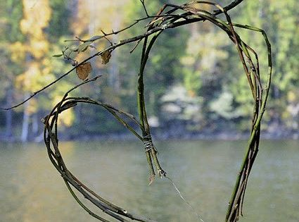 twig heart. Need to make this. It would be cute for a