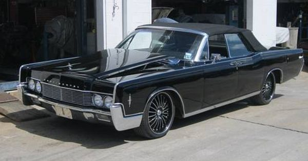 1966 lincoln continental this classic lincoln was repaired by wilson auto repair in texas. Black Bedroom Furniture Sets. Home Design Ideas