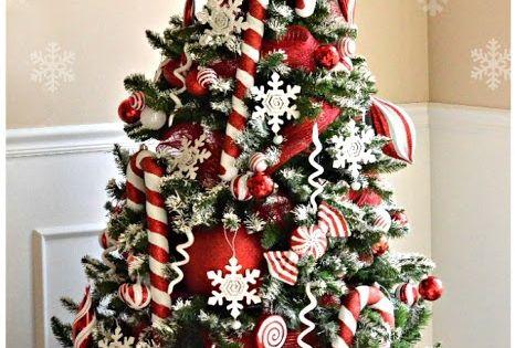 Sapin de no l traditionnel ou moderne rouge et blanc en - Sapin de noel rouge et blanc ...