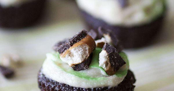 Beer Run Cupcakes with Vanilla Stout Buttercream | Yum yum | Pinterest ...