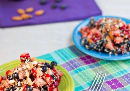 High Protein Quinoa Almond Berry Salad. The best breakfast ever ...