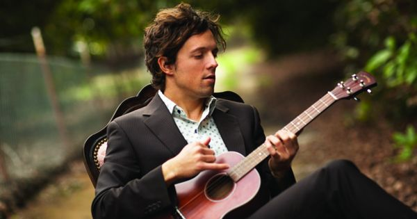 Jason Mraz (He looks like Hugh grant here)