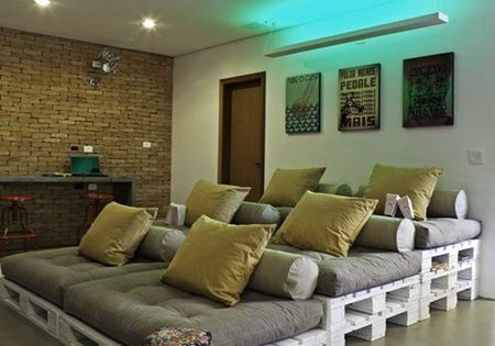 Old Pallets -- DIY home movie theater