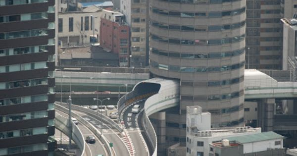THE TOWER TUNNEL, JAPAN One of the most curious building in Japan