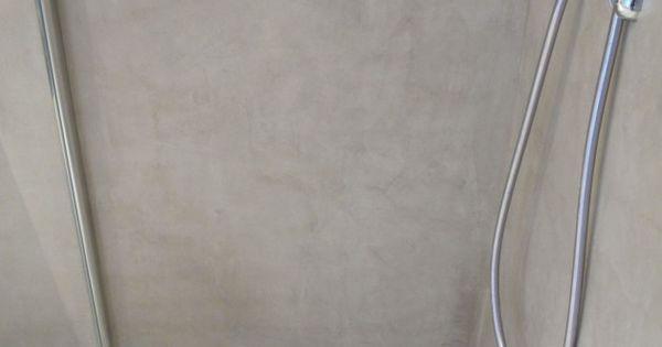 Coin douche l 39 italienne avec un sol et b ton cir for Sol de douche en beton cire