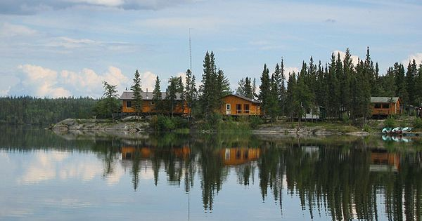 fishing lodges in nunavut