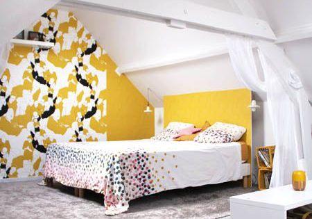 La chambre avant apr s t te d 39 ange combles draps de for Moquette jaune moutarde