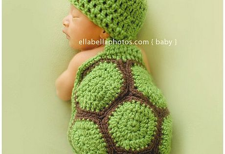 Awww cute baby turtle!