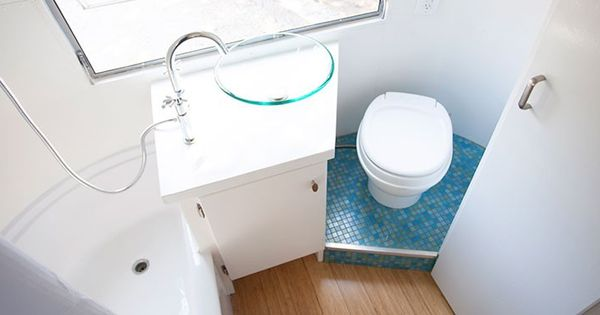 Easy Way To Make A Small Camper Bathroom Washroom Look Much Better Tile The Floor Around The