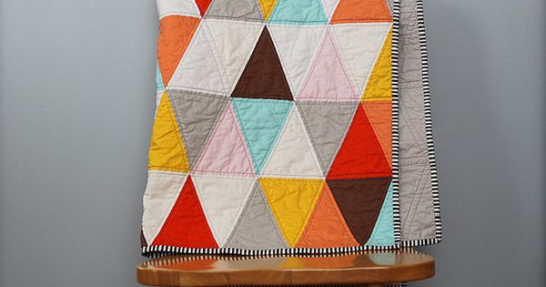 i think this could go in the quilt pattern stash (Triangle Quilt
