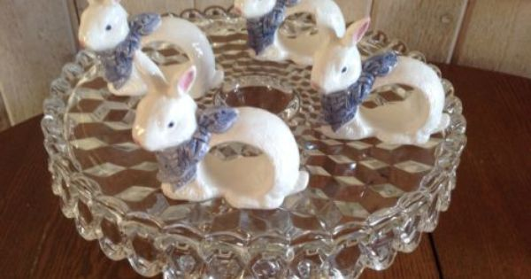 2 Maxcera Blue White Toile Bunny Rabbit 11 1 2 Dinner Plates Easter Exc Ebay Bunny Rabbit Easter Bunny Rabbit Bunny