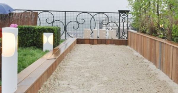 piste de jeux bocce ball court bocce court and backyard. Black Bedroom Furniture Sets. Home Design Ideas