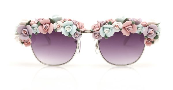 The cutest pastel sunnies.