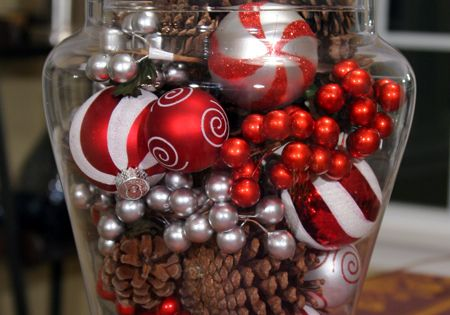 Christmas Decor Ideas Pinecones And Ornaments In Glass Apothecary Jars Holidays Events At Repinned Net