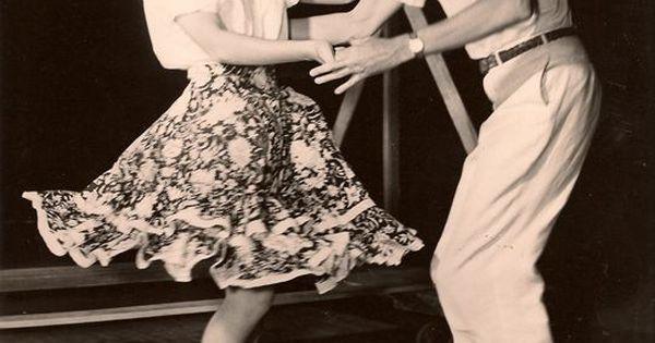 Image via We Heart It black&white classic jamesstewart JimmyStewart vintage it'sawonderfullife donnareed