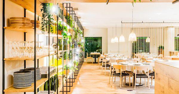 Restaurante atrapallada de zooco estudio estanterias laq - Zooco estudio ...