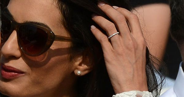 George Clooney Amal Alamuddin Show Off Wedding Rings In 1st