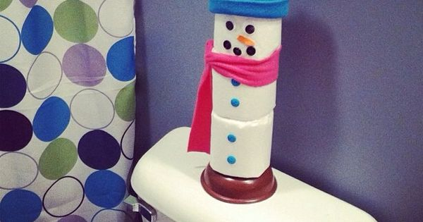 toilet plunger and roll snowman super cute handmade gift gift ideas pinterest snowman. Black Bedroom Furniture Sets. Home Design Ideas