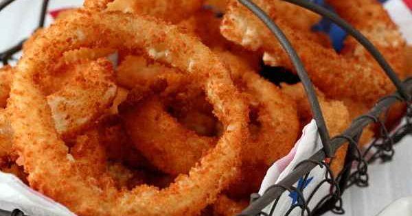 recette traditionnelle am ricaine des c l bres onion rings ces anneaux d 39 oignons frits. Black Bedroom Furniture Sets. Home Design Ideas
