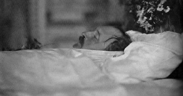 Deathbed photo of Prince Albert who died on December 14 ...
