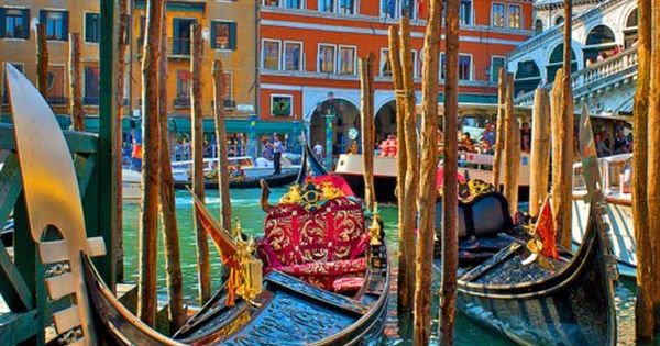 Gondola Stand, Venice, Italy - this photo looks like a painting. Just