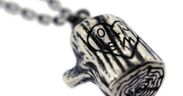 the giving tree stump necklace...gift idea (pour moi)!