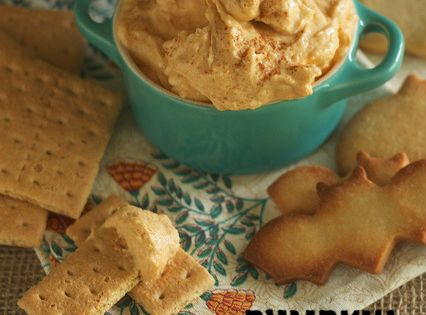 Pumpkin Cheesecake Crack Dip - Only FOUR ingredients!! Perfect for dipping cookies,