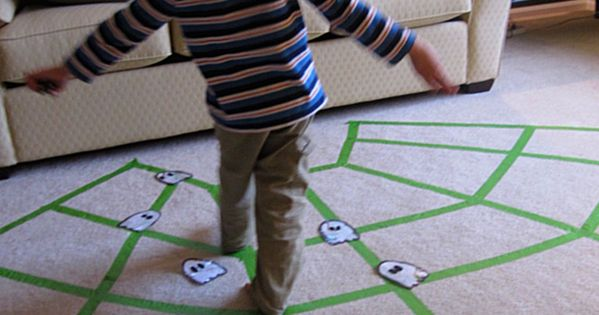 Halloween game for kids . Spider Web Game